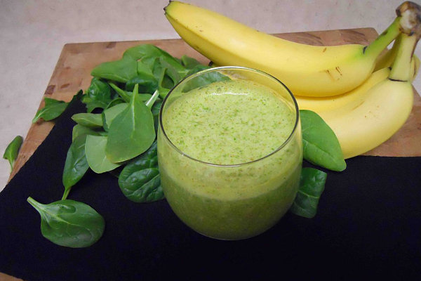 banana-spinach-smoothie