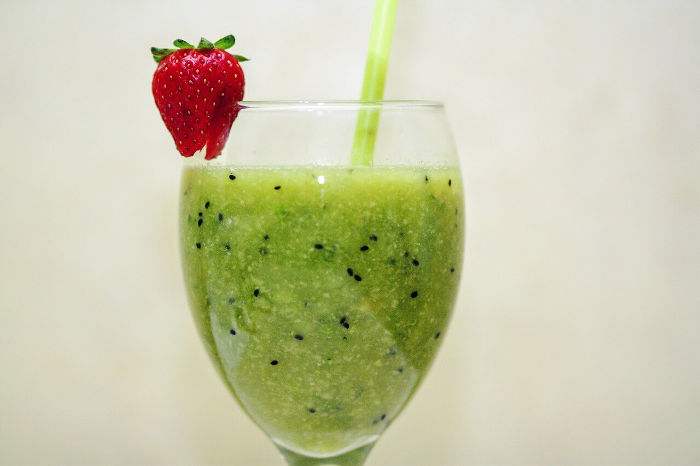 pineapple_spinach_green_smoothie